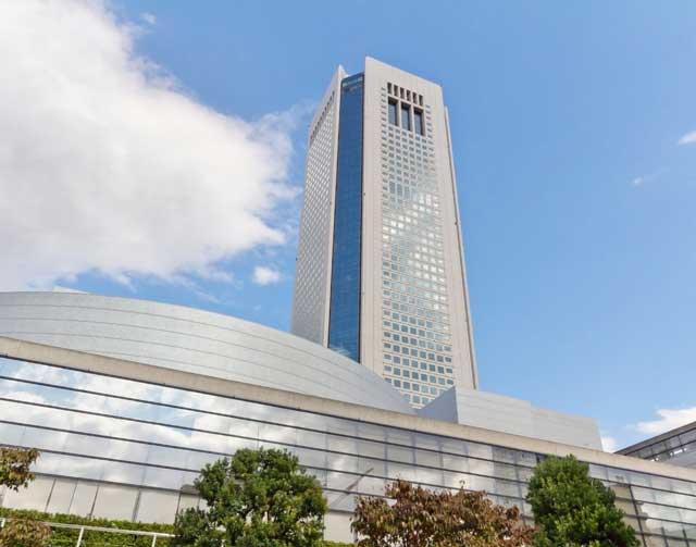 サンマリエ東京オペラシティサロン伸びる外観