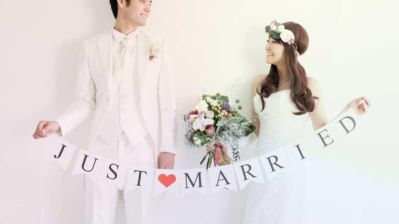 結婚する二人イメージ写真